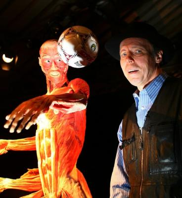 Controversial-Body-Worlds-Exhibition-Opens-4NuETfDuu7sl